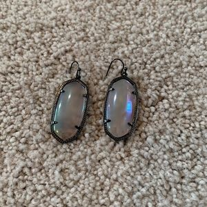 IRIDESCENT AGATE GUNMETAL ELLE EARRINGS